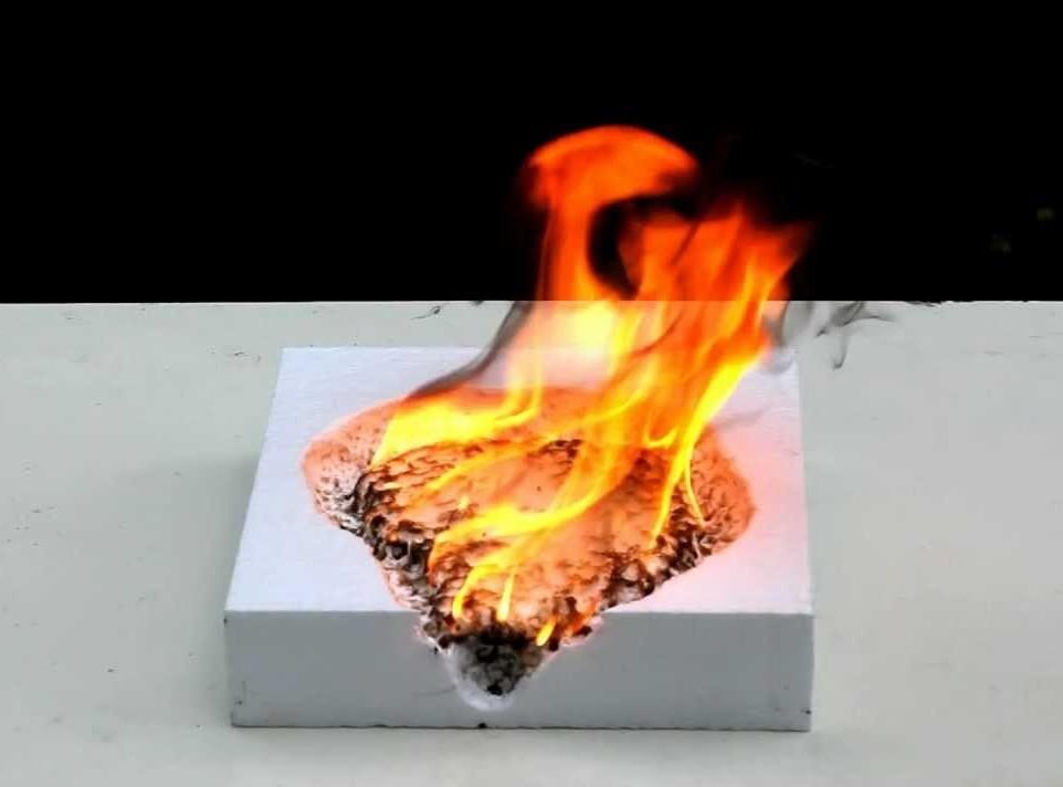 горит ли пенопласт опасен ли он